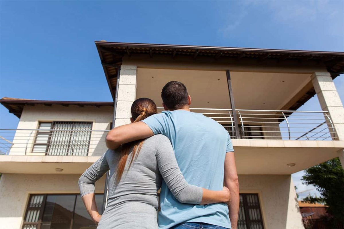 Vous achetez une maison avec votre conjoint?